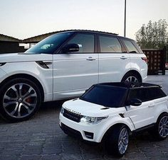 Arians range rover needs a paint job... This would look sick..