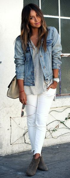 Denim jacket white jeans and loose waves ombré hair. This has summer in Seatt - Denim And White - Ideas of Denim And White - Denim jacket white jeans and loose waves ombré hair. This has summer in Seattle written all over it. White Pants Outfit, Outfit Jeans, Denim Jacket Outfit Summer, Shirt Outfit, Summer Denim, Summer Jacket, Jeans Dress, Mode Outfits, Casual Outfits