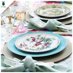 O verão tem tudo a ver com mistura de cores. Que tal se inspirar e preparar uma mesa cheia de cores e ideias para o almoço? Venha até nosso showroom que ajudamos você.