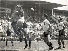 Gilmar (Gilmar dos Santos Neves) - No 1 (Goalkeeper). Sport Club Corinthians Paulista 1951/1961.