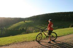 Mountainbike Touren im Schwarzwald | MTB Touren Finder Camping And Hiking, Wakeboarding, Mtb, Mountain Biking, Bicycle, Winter, Vintage, Tourism, Circuit