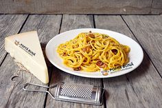 Paste carbonara, reteta originala, traditionala italiana Pasta Carbonara, Top 5, Pasta Recipes, Macaroni And Cheese, Pizza, Ethnic Recipes, Youtube, Fine Dining, Mac And Cheese