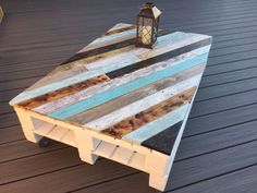 The Most Creative DIY Coffee Table Furniture Project Ideas 1 – Pallet Ideas Garden Coffee Table, Coffee Table Furniture, Wood Pallet Furniture, Diy Coffee Table, Coffee Table Design, Furniture Projects, Rustic Furniture, Diy Furniture, Wooden Coffee Tables