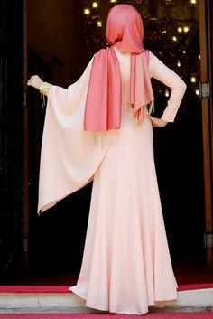 Merve Gündüz Pudra Pelerin Abiye Elbise
