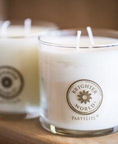 Nauti persoonallisista Brighter World-tuoksuista ja auta takaamaan parempi tulevaisuus meille kaikille! #partylite #candles #kynttilät #häät
