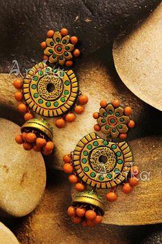 T Terracotta Jewellery Making, Terracotta Jewellery Designs, Terracotta Earrings, Antique Jewellery Designs, Jewelry Design Earrings, Funky Jewelry, Fabric Jewelry, Jewelry Crafts, Handmade Jewelry