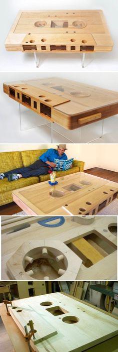 Una mesa, que es un cassette. #diseño