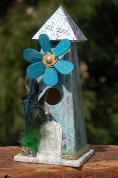 Cute flowered birdhouse!