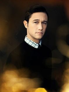 Amazing actor and very easy on the eyes - JGL