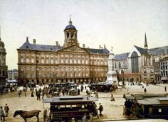 Dam Square, or simply the Dam (Dutch: de Dam) is a town square in Amsterdam, the capital of the Netherlands. Its notable buildings and frequent events make it one of the most well-known and important locations in the city. New Amsterdam, Amsterdam Netherlands, Hotel Amsterdam, Coney Island, Old Pictures, Old Photos, Vintage Photos, Vintage Photographs, Architecture Romaine