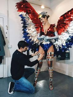 Adam Selman goes back to his roots, creating Olivia Jordan's costume for the Miss Universe competition. Cool Costumes, Dance Costumes, Halloween Costumes, Samba, Kadayawan Festival, Brazilian Carnival Costumes, Olivia Jordan, Carnival Outfit Carribean, Miss Usa