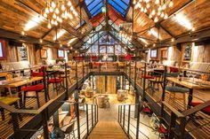 Bar Restaurant LE DOCK à Saint-Malo - Architecture intérieure par l'agence LABEL ETUDES Bar Restaurant, Cabin, Architecture, House Styles, Home Decor, Places To Visit, Places, Arquitetura, Decoration Home