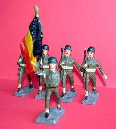 Figuras Composición: Soldados en desfile (Durso, Bélgica)