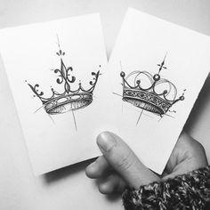 Geometric crown tattoo, tattoo drawing pictures, original temporary tattoo design ideas A few days ahead of some sort of Halloween … Stencils Tatuagem, Tattoo Stencils, Real Tattoo, Tattoo Set, Unique Tattoos, Small Tattoos, Small Crown Tattoo, Osiris Tattoo, Queen Crown Tattoo
