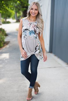 Adele Knotted Floral Top (Grey)