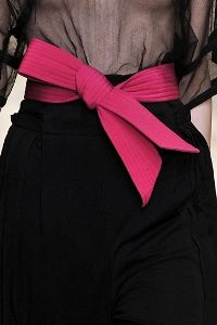During the Spring 15 collections designers were all about accentuating the waist. Waist belts are not a new trend but this season saw the use of sashes and obi belts instead. www.stylestaples.com.au