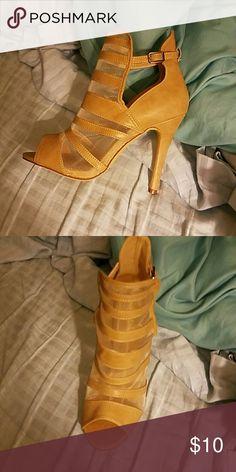 Sandals Cream color 4 in heel Liliana Shoes Sandals