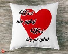 Weź nie pytaj, weź się przytul #poduszka #poduszkaznapisem #walentynki #miłość #kochamcie #dlachlopaka #dladziewczyny #dlaniego #dlaniej #prezentdlaniego #prezentdlaniej #prezentwalentynkowy #love #świętozakochanych #iloveyou #instagirl #poczpol #pomysłnaprezent Love Valentines, Funny Memes, Reusable Tote Bags, Gifts, Humor, Fotografia, Presents, Humour, Funny Photos