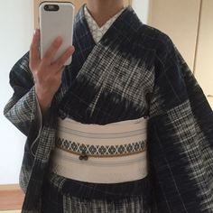 This is what an adult lady should look like in kimono Japanese Outfits, Japanese Clothing, Geisha Japan, Yukata Kimono, Japanese Culture, Lady, Traditional Japanese, How To Wear, Clothes