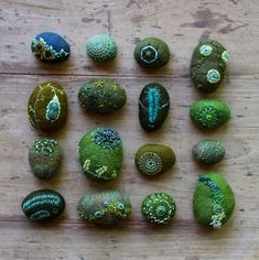 lil fish studios: grouping of greens. stones covered in felt with embroidery Mehr Textile Jewelry, Fabric Jewelry, Textile Art, Jewellery, Wet Felting Projects, Wooly Bully, Crochet Amigurumi, Felt Embroidery, Felt Brooch