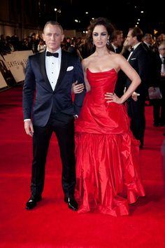 Fantastic Tom Ford' tuxedo :: Ultra Chic Berenice Marlohe and Daniel Craig    Keywords: #weddings #jevelweddingplanning Follow Us: www.jevelweddingplanning.com  www.facebook.com/jevelweddingplanning/