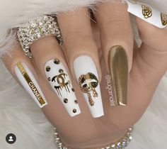 What kind of nail art is suitable for summer, a large part of girls like glitter nails, here are 40 amazing glitter nail design ideas, which may be able to give you inspiration. Bling Acrylic Nails, Summer Acrylic Nails, Best Acrylic Nails, Bling Nails, Acrylic Nail Designs, Nail Art Designs, Pastel Nails, Glitter Nails, Channel Nails