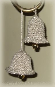 Knitted Christmas Bells - Free knitting pattern to make small knitted Christmas bells for the Christmas tree with beautiful bell shaping and rolled brims. Would look great on a black tree! Knit Christmas Ornaments, Crochet Christmas Decorations, Christmas Jingles, Holiday Crochet, Christmas Crafts, Crochet Ornaments, Crochet Snowflakes, Christmas Jumpers, Christmas Knitting Patterns