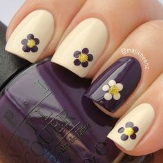 Adorable flower nails, nice and easy for when you don't have much time but want something more than just a plain polish.