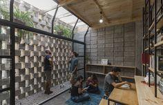 House Between Blocks,© JAG Studio
