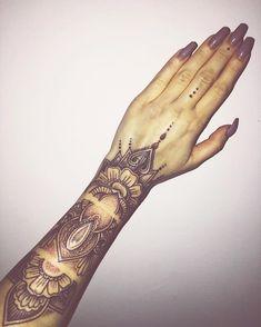 , obserwowani: posty: 764 – zobacz zdjęcia i film. Tribal Hand Tattoos, Mandala Hand Tattoos, Foot Tattoos, Finger Tattoos, Sexy Tattoos, Unique Tattoos, Body Art Tattoos, Small Tattoos, Cuff Tattoo