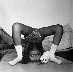 Indian circus performers, by Mary Ellen Mark.