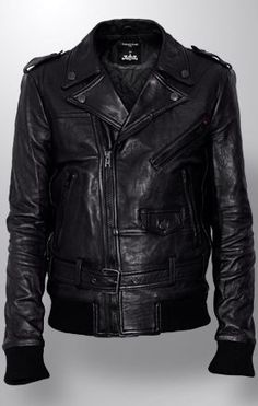 Men's Leather Jackets: How To Choose The One For You. A leather coat is a must for each guy's closet and is likewise an excellent method to express his individual design. Leather jackets never head out of styl Men's Leather Jacket, Leather Men, Leather Jackets, Black Leather, Quoi Porter, Well Dressed Men, Mode Style, Men Dress, Menswear