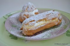 reteta de eclere si choux a la creme savori urbane (6) Sweets Recipes, Cookie Recipes, Romanian Desserts, Choux Pastry, Creme, Sweet Treats, Easy Meals, Food And Drink, Breakfast