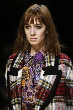 Burberry Fall 2016 Ready-to-Wear Fashion Show Details