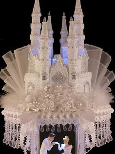 Cinderella Castle Royal Wedding Cake Topper Prince Charming ~ so this doesn't go with our wedding at all and is way expensive but it's amazing! Cinderella Wedding, Cinderella Castle, Princess Wedding, Cinderella Princess, Princess Cakes, Princess Castle, Wedding Cake Toppers, Wedding Cakes, Castle Wedding Cake