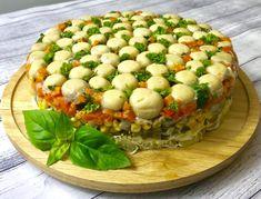 Sałatka leśna polana ze śledziami - Blog z apetytem Mozzarella, Cobb Salad, Baked Potato, Potatoes, Blog, Cheese, Meat, Chicken, Baking