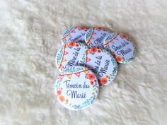 Badge Mariage - Fleurs et fanions Prestige, Marie, Sugar, Cookies, Desserts, Birthday, Flowers, Crack Crackers, Tailgate Desserts