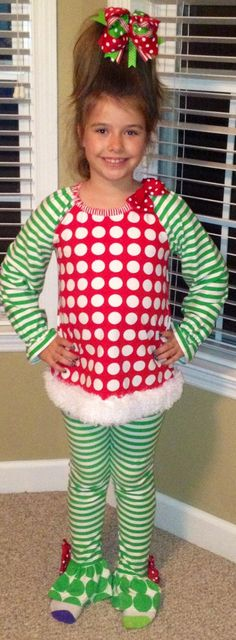 My sisters Christmas costume for her play can you say cutiest Cindy loohoo ever! Whoville Costumes, Whoville Hair, Whoville Christmas, Christmas Concert, Christmas Costumes, Christmas Carol, Kids Christmas, Grinch Party, Grinch Decorations