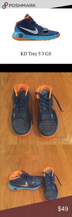 separation shoes bbab9 4cb1b Shop Men s Nike Blue size 9 Athletic Shoes at a discounted price at  Poshmark. Description  KD Kevin Durant Basketball Shoes Sold by nomoxs.