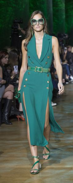 Elie Saab Spring-Summer 2018 - Made to order - www. - © ImaxTree Elie Saab Spring-Summer 2018 - Confection - www. - © ImaxTree , Elie Saab Spring-summer 2018 - Ready-to-Wear - www. Fashion 2018, Look Fashion, Runway Fashion, Spring Fashion, Fashion Design, Trendy Dresses, Nice Dresses, Casual Dresses, Fashion Dresses
