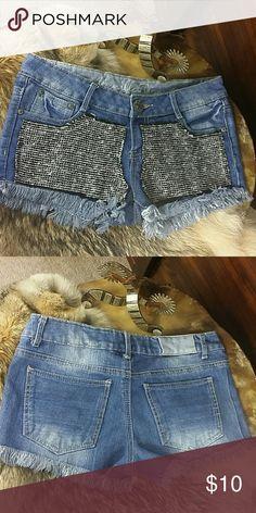 "🎯SALE!FINAL DROP🎯Bling Frayed Cut Off Shorts Cute little denim shorts. 2"" inseam.  68% Cotton/30% Polyester/2% Spandex Vanilla Star Shorts Jean Shorts"