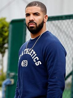 There won't be another rapper like this man. The sickest flow, the realest lyrics, and one of my most favorite artists. The Legend. The one and only Drake.