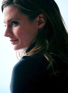 Fidelis Ad Mortem 17 (8x15) Kate Beckett, Canadian Actresses, Laugh A Lot, Elle Magazine, Season 8, Stana Katic, Olay, Healthy Skin, Looks Great