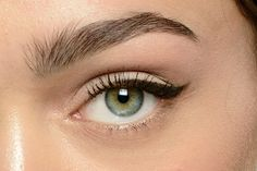 5 New Ways to Wear Cat Eyes: Daily Beauty Reporter : Like red lips, classic cat eyes will never go out of style. But that doesn't mean you can't have some fun with the eyeliner standby every now and then. The cat eyes all over the spring runways were more...