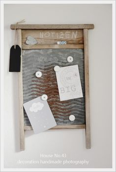 DIY: Repurpose Washboard and bottle caps to a Magnetic Pinboard! House No. Shabby Chic Upcycling, Idee Diy, Shabby Vintage, Shabby Chic Style, Palette, Diy Wall, Repurposed, Diy Home Decor, Diy And Crafts