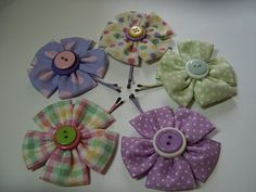 Adorable easy flower hair pins! Now I know what to do with my scraps of fabric!
