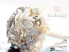 Bridal Bouquet Made of Rhinestone Brooches Deposit by beaubouquet