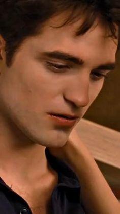 Twilight Videos, Twilight Scenes, Twilight Saga Series, Twilight Cast, Twilight Pictures, Twilight Movie, Edward Pattinson, Robert Pattinson Twilight, Twilight Bella And Edward