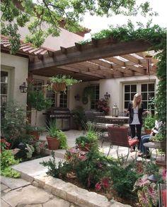 JS/2 via house #LandscapingandOutdoorSpaces