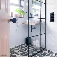Small Shower Room, Small Showers, Downstairs Bathroom, Small Bathroom, Wet Room Bathroom, Girl Bathrooms, Paint Bathroom, Compact Bathroom, Bathroom Showers